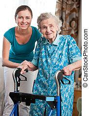 senior woman, med, caregiver hemma