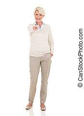 senior woman, pekande