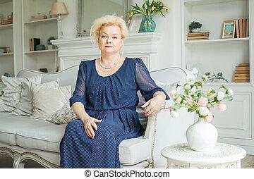 Senior woman, real people portrait