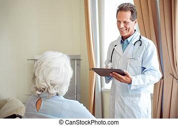 Senior woman with therapist