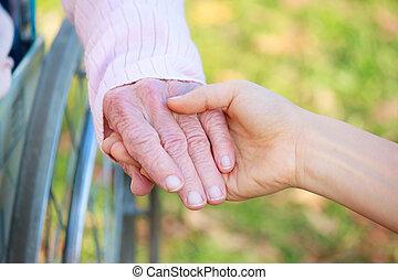senior women, fiatal, hatalom kezezés