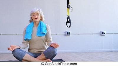 senior, yoga, 4k, gedresseerd, vrouw