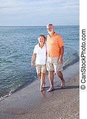 seniores, passear, ligado, praia