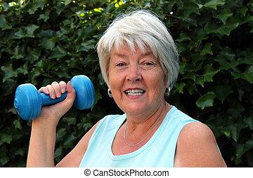 seniorin, sport, hantel, fitness, draussen