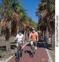 seniors activo, en, bicicletas