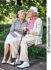 seniors, bírói szék