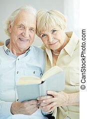 seniors, felolvasás
