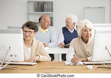 seniors, használt computer, szokás