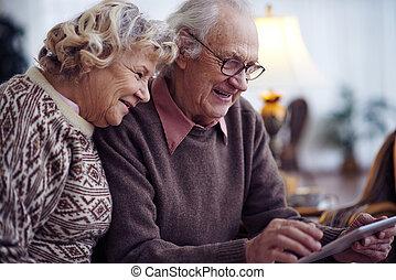 seniors, nätverksarbetande
