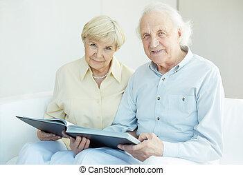 seniors, otthon
