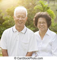 seniors, pareja, asiático