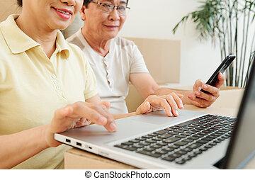 seniors, pozitív, laptops, dolgozó