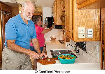 seniors, rv, -, elkészít étkezés
