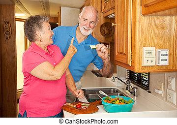 Seniors RV - Hungry Hubby