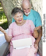 seniors, számítógép, csalódottság, -