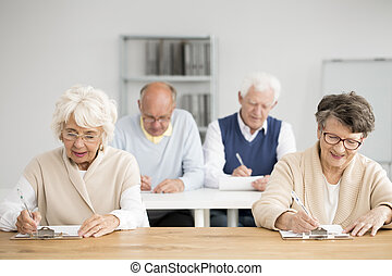seniors, teszt, írás