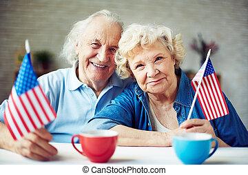 seniors, zászlók