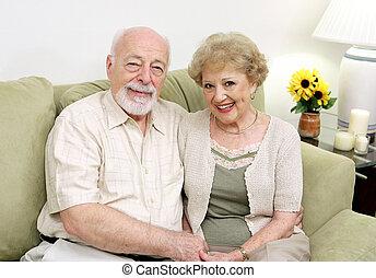 seniorzy, dom, odprężając