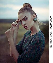 Sensual beautiful young woman - Portrait of sensual ...