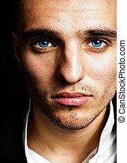 sensual, hombre, con, ojos azules