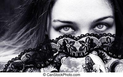 sensual, mujer, con, seductor, ojos, atrás, ventilador