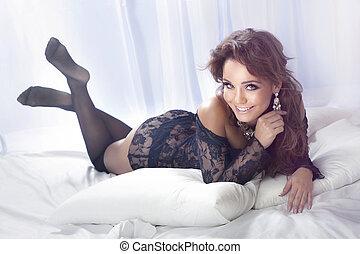 sensual, mulher olha, em, câmera.
