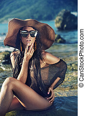 sensuale, giovane signora, su, il, spiaggia tropicale