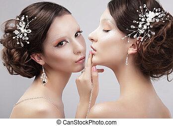sensuality., deux femmes, modèles mode, à, branché, maquillage