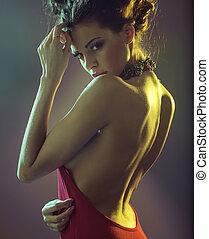 sensuell, brunett, kvinna, kläd, röd klä