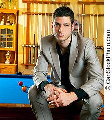 sentado, billiard, traje, guapo, piscina, hombre