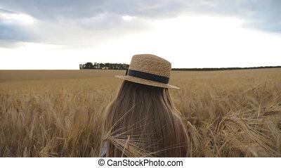 sentado, cebada, pequeño, pelo, day., tiro, niña, campo,...