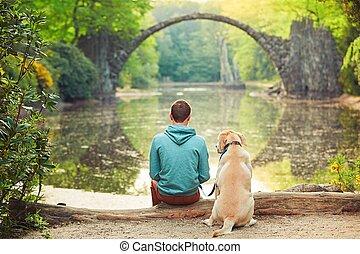 sentado, el suyo, perro, hombre, pensativo