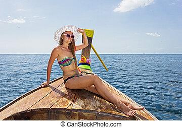 sentado, joven, biquini, longtail, tailandés, niña, barco