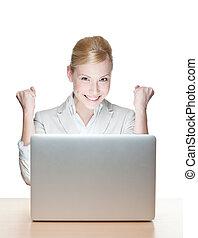 sentado, mujer de negocios, computador portatil, joven, escritorio, sonriente