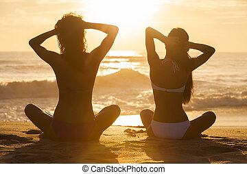 sentado, niñas, biquini, playa puesta sol, salida del sol, mujeres