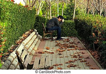 sentado, parque, joven, triste, otoño, solamente
