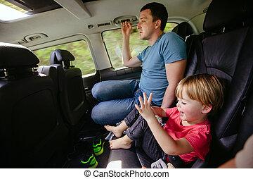 sentando, car, pai, junto, filho, feliz