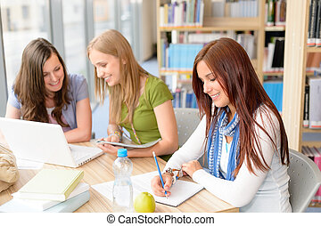 sentando, estudantes, grupo, estudo, sala