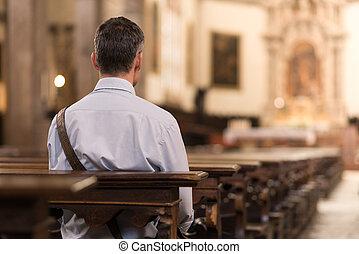 sentando, homem, igreja