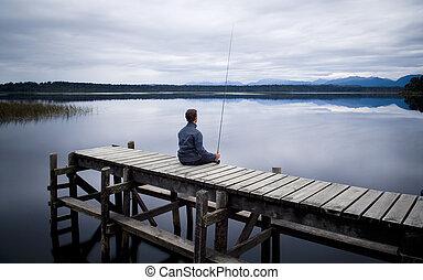 sentando, jetty, dia, pescador, invernos, mal-humorado