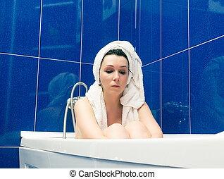 sentando, mulher, modernos, banho