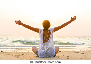 sentando praia, em, amanhecer