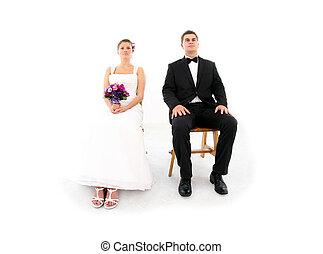 sentando, sobre, casado, fundo, branca, par