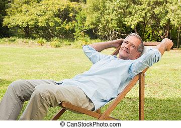 sentando, sol, maduras,  lounger, Feliz, homem