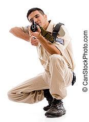 sentando, soldado, ir, disparar, com, arma