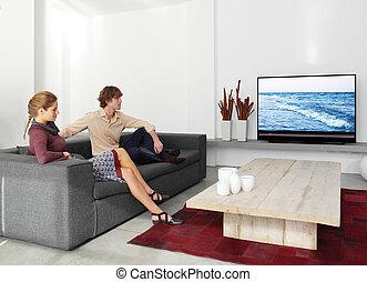 sentando, tv, sofá, par, observar, ll
