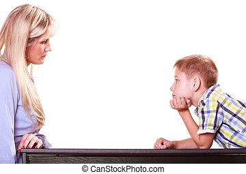sentar, filho, mãe, discuta, tabela., conversa