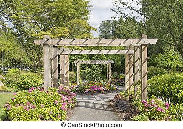 sentier, sur, bois, tonnelle, jardin