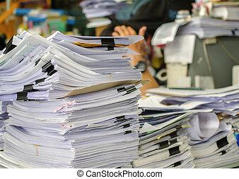 ser, documentos, arriba, managed., alto, esperar, pila, escritorio, pila