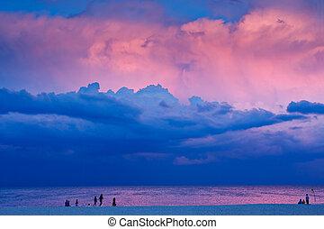 sera, scena spiaggia